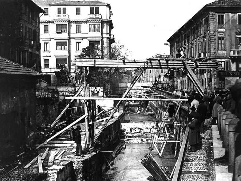 Lavori di copertura del naviglio alla conca di via Senato (porta Orientale)